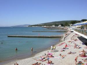 Галечный пляж в Дивноморске