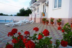 Автобусом к морю из Тулы в Лермонтово гостевой дом АЭЛИТА зона отдыха