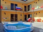 Автобусом к морю из Тулы в Голубицкую гостевой дом ЖАРА бассейн