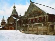 Избы, сельские часовни и церкви