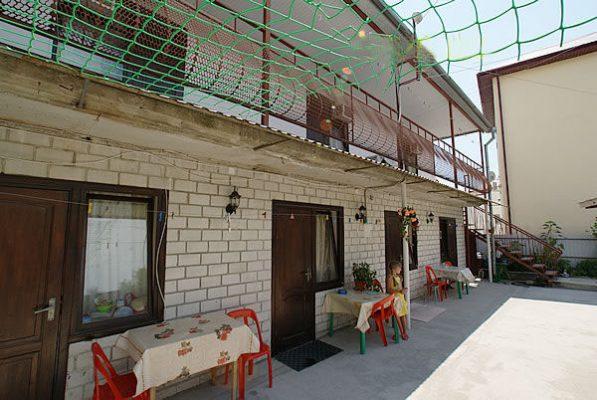 Автобусом к морю из Тулы в Дивноморское гостевой дом ВИНОГРАДНЫЙ