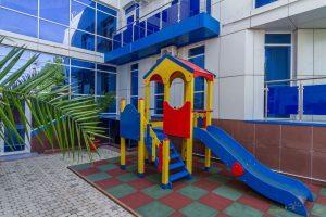Автобусом к морю из Тулы в Витязево гостевой дом ВАЛЕНТИНА-2 детская площадка