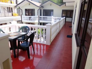 Автобусом к морю из Тулы в Лоо мини-гостиница АМФОРА балкон