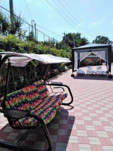 Автобусом к морю из Тулы в Новомихайловский частная гостиница УЮТНЫЙ ДОМ территория