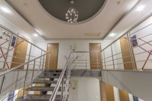 Автобусом к морю из Тулы в Дивноморское гостиница ПРОВАНС лестница