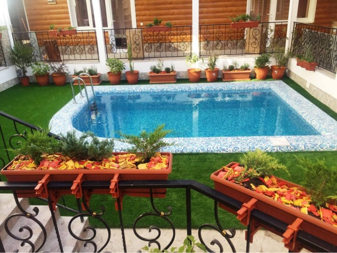 Автобусом к морю из Тулы в Крым Феодосию частная гостиница ЕЛИЗАВЕТА бассейн